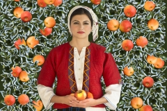 WOMAN WITH APPLES, series BULGARIAN WOMAN by V.D.Maystora, 2015, pigment print, 100x66.67 cm (1)